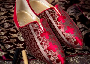 Red-oriental-shoes